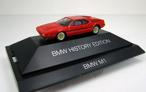 "BMW M1 ""BMW History Edition"", rot (PC)"