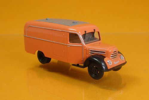 IFA Robur Garant K 30 Kastenwagen orange - Scale 1:87