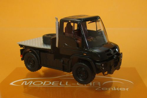 Mercedes Unimog U 430 Black Edition 1:87